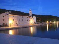 Cres - Lungomare - Benediktinski samostan